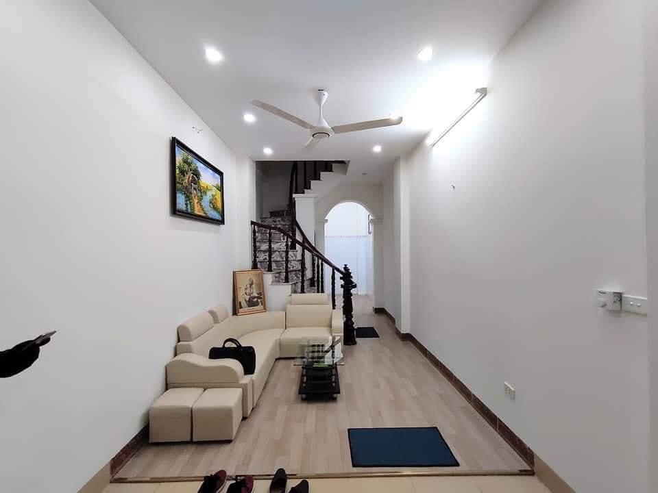 Bán nhà phố Dương Văn Bé - Hai Bà Trưng - ngõ rộng, 35m, 4tầng, chỉ hơn 2tỷ.